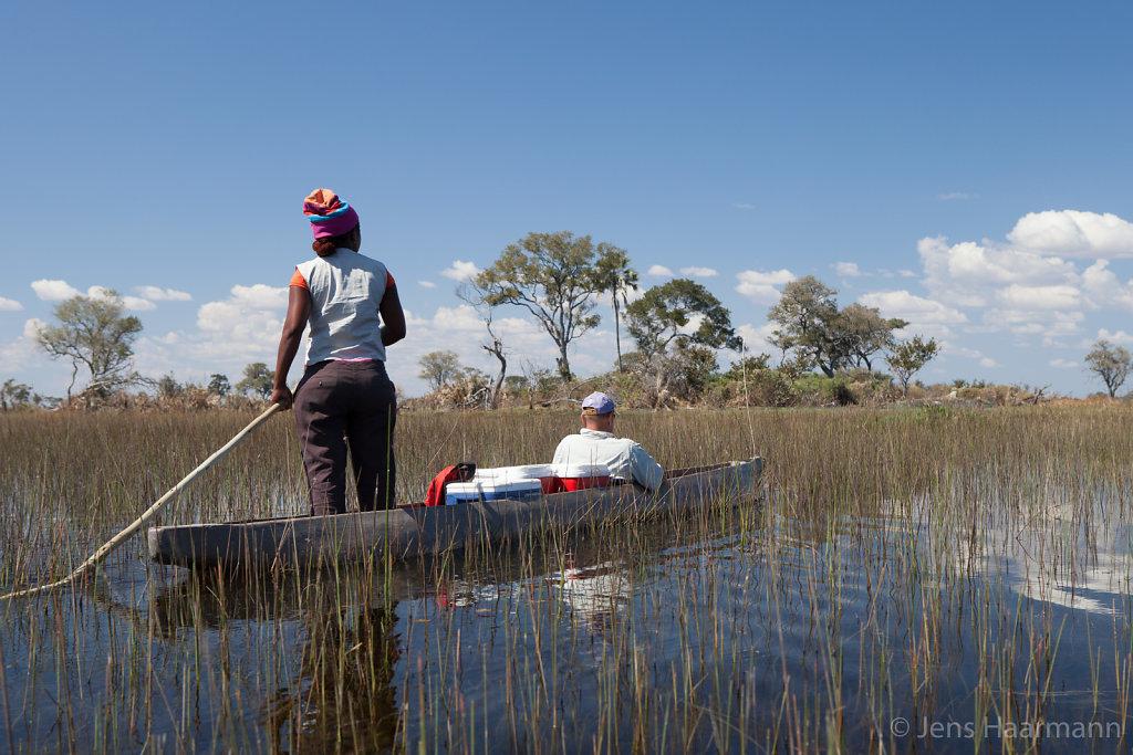Mokoro (Einbaum) auf dem Okavango